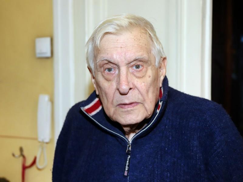 84-летнему Олегу Басилашвили грозит ампутация ноги - новости жизни:  ruposters.ru