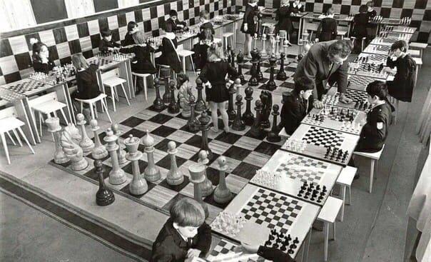Типичный детский шахматный клуб в СССР
