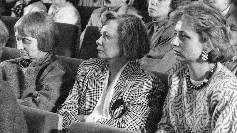 Дочери Никиты Сергеевича Хрущева — Рада (слева), Юлия (в центре) | Фото: РИА Новости