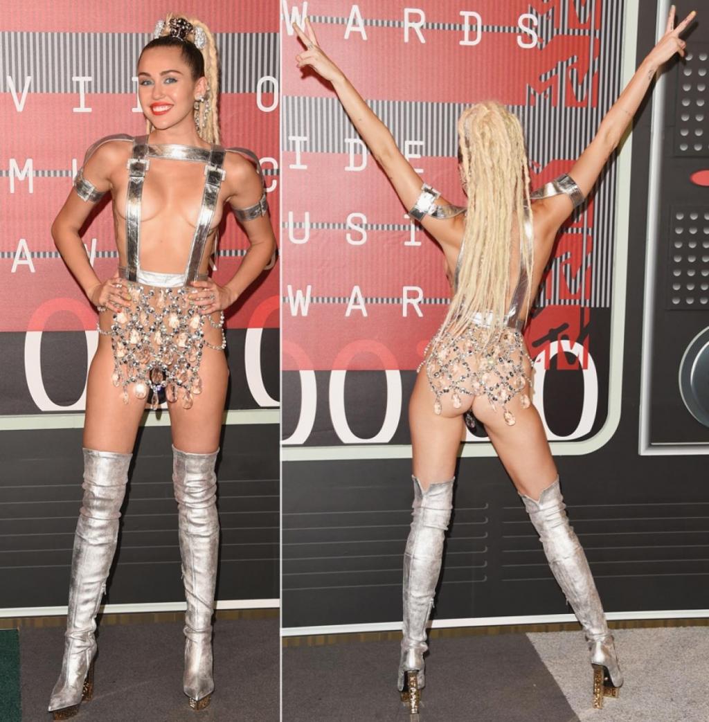 Miley cyrus upskirt during vma awards