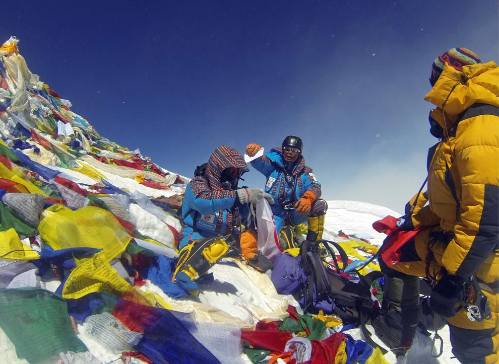 эверест фото с вершины альпинистов нем, серьезность