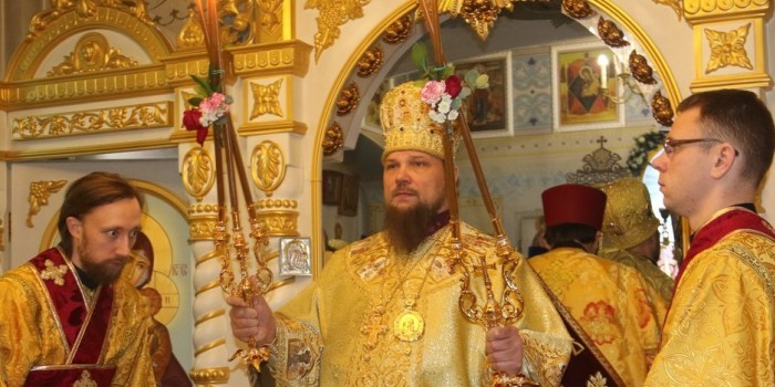 Архиепископ в Коми написал стихи о том, как Бог подарил ему Audi
