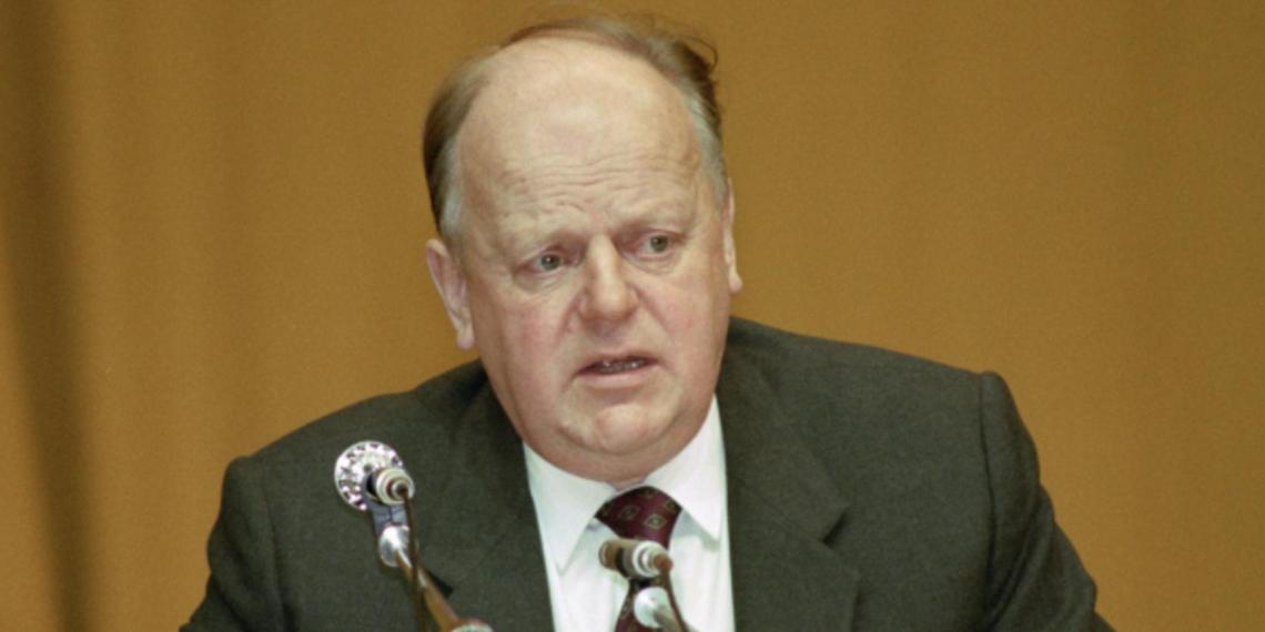 Шушкевич обвинил Горбачева во лжи о распаде СССР