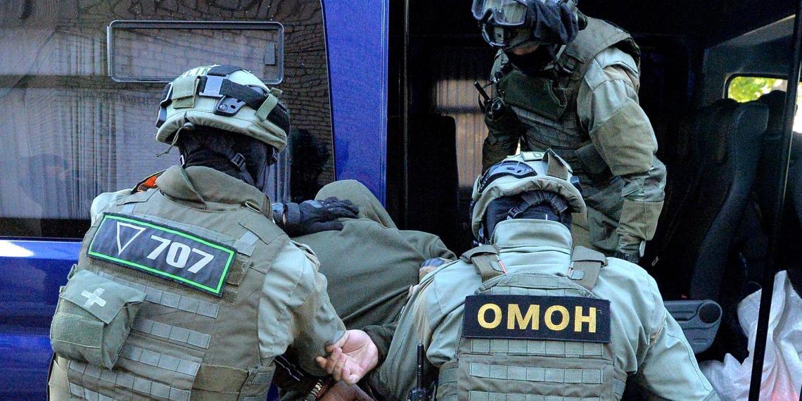 """Белорусская оппозиция назвала """"цирком"""" задержание россиян под Минском"""