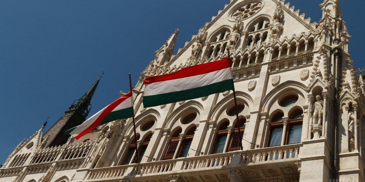Венгрия поднимет в НАТО вопрос массовых обысков на Украине