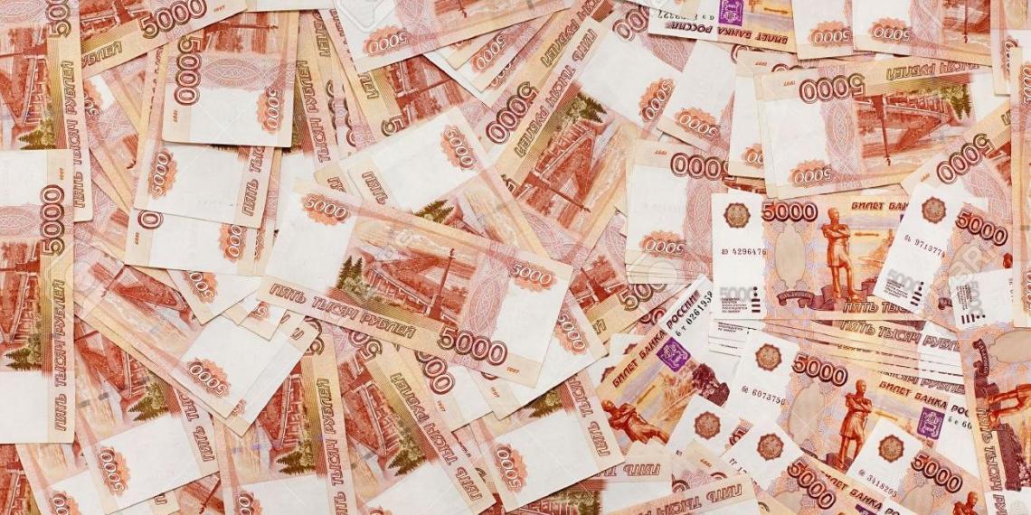 На краснодарском кладбище нашли тайник коррупционера с 50 млн рублей