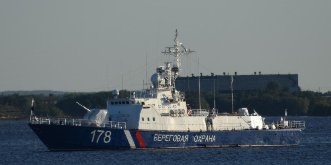 Стали известны подробности инцидента с российским военным кораблем у границ Украины