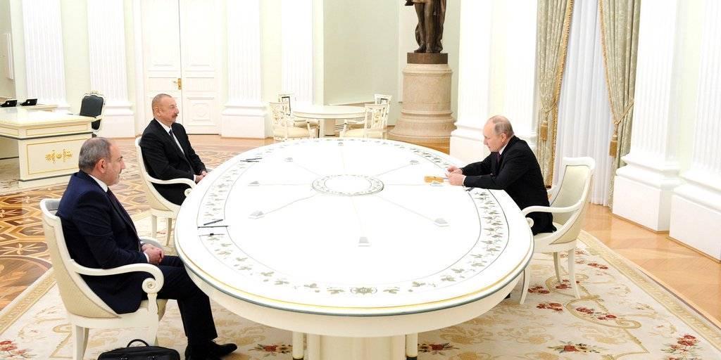 Путин предложил Алиеву и Пашиняну обсудить новые шаги по урегулированию в Карабахе