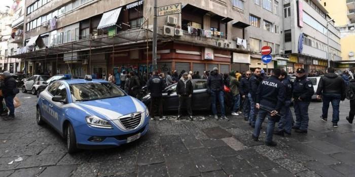 """В Италии во время """"разборок"""" мафии с мигрантами ранили десятилетнюю девочку"""