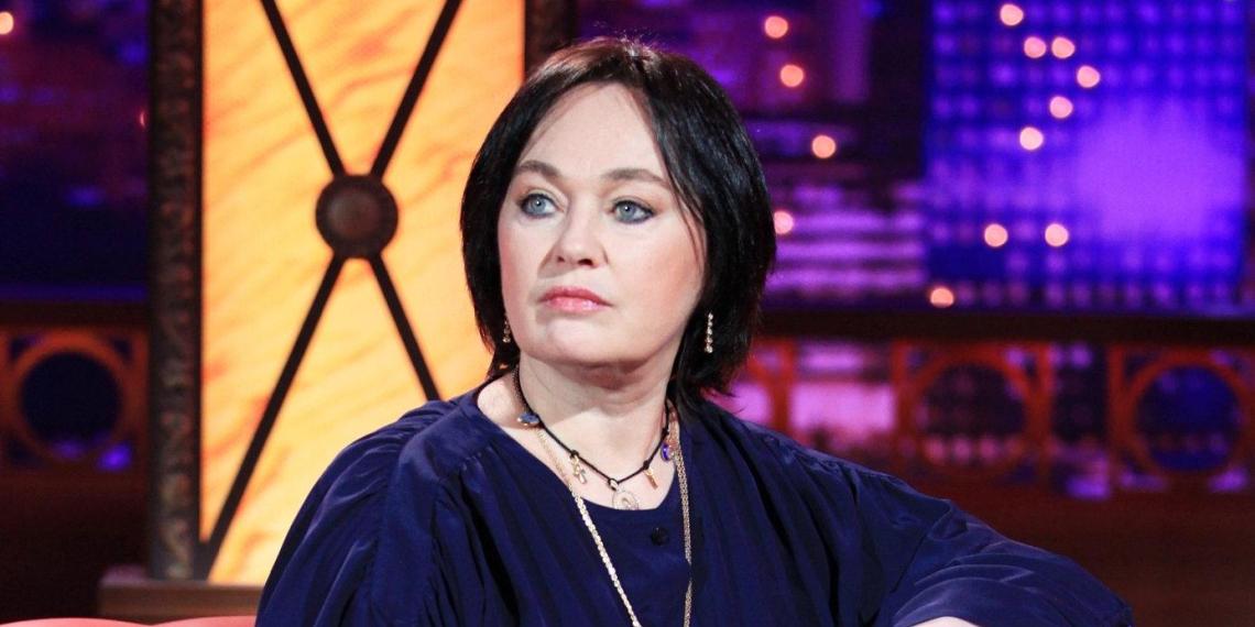 Кашель, слабость и температура: СМИ сообщили о состоянии Гузеевой в Коммунарке