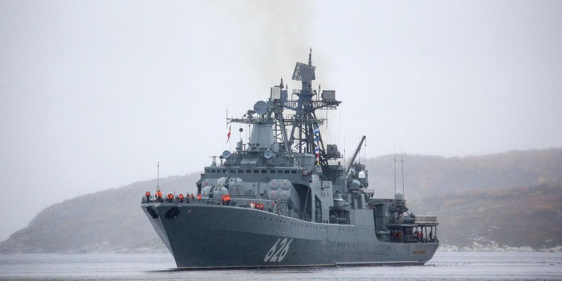 Испания запретила российским военным кораблям заходить в свой порт