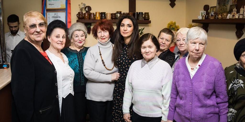 Putin Team и певица Зара устроили праздник для ветеранов Великой Отечественной войны