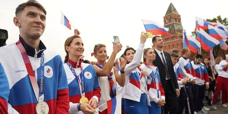 Оркестр Башмета и Мацуев исполнили гимн России в честь олимпийцев