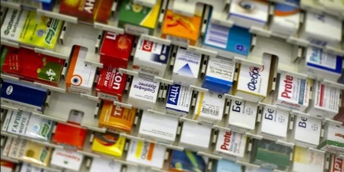 Российские фармкомпании ограничили выпуск жизненно важных лекарств из-за девальвации рубля