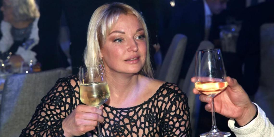 Дана Борисова: Волочкова может набухаться, упасть под лавочку в сауне и задохнуться