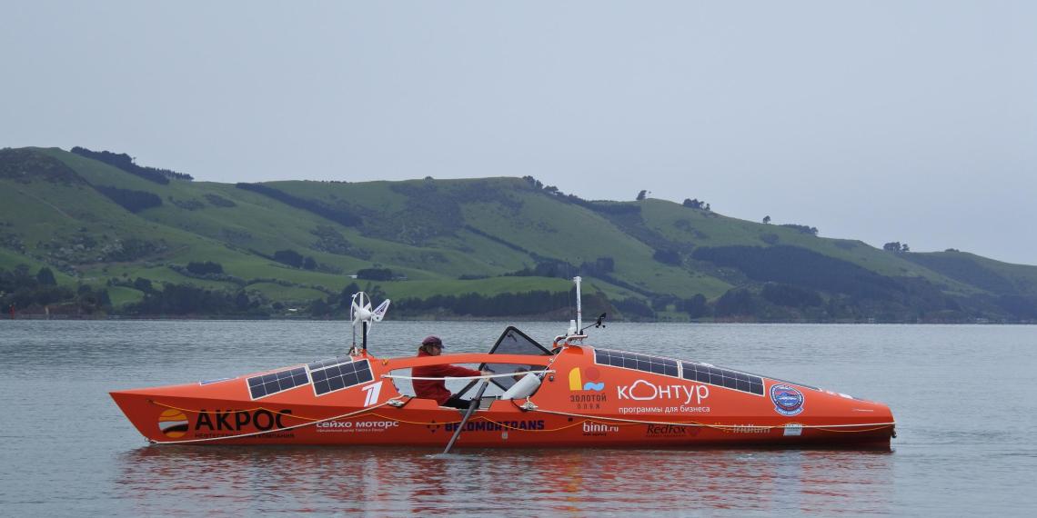Чилийские военные сняли лодку Конюхова в открытом море