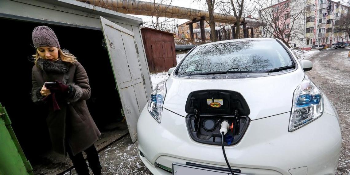 В Приморье жители бесплатно обогревают дома электромобилями