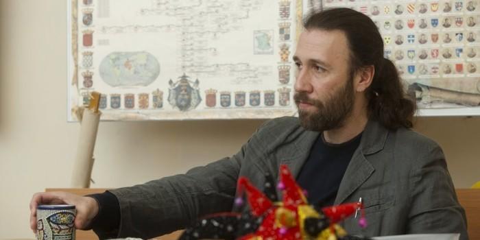 Суд заочно арестовал бывшего учителя московской школы № 57 за растление ребенка