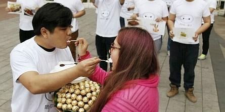 Китаец раскормил девушку до ожирения, чтобы она не могла от него уйти