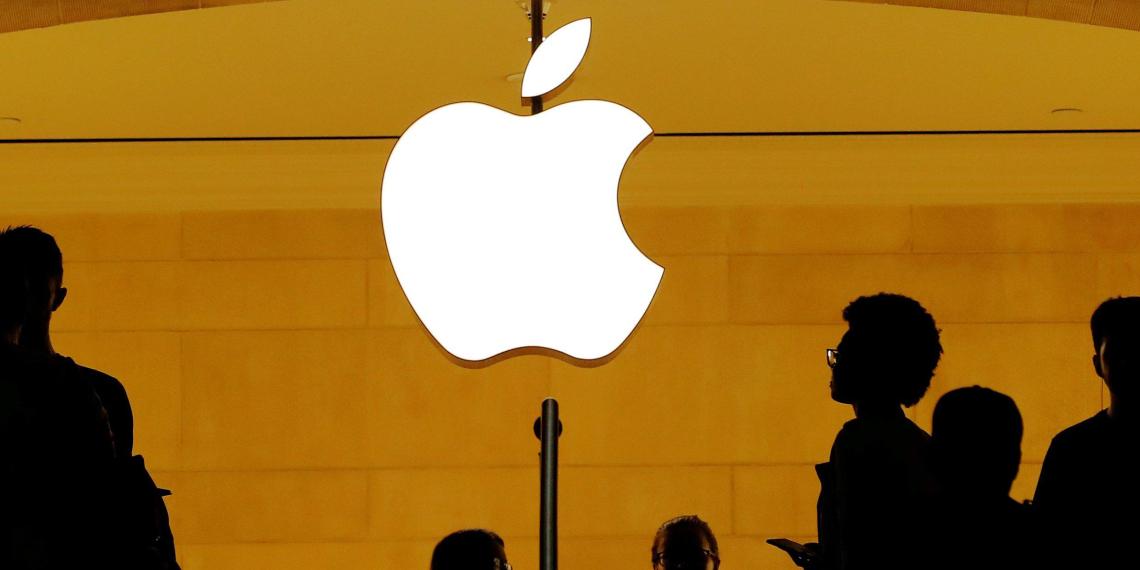 """""""Русские хакеры"""" украли секретные чертежи Apple"""