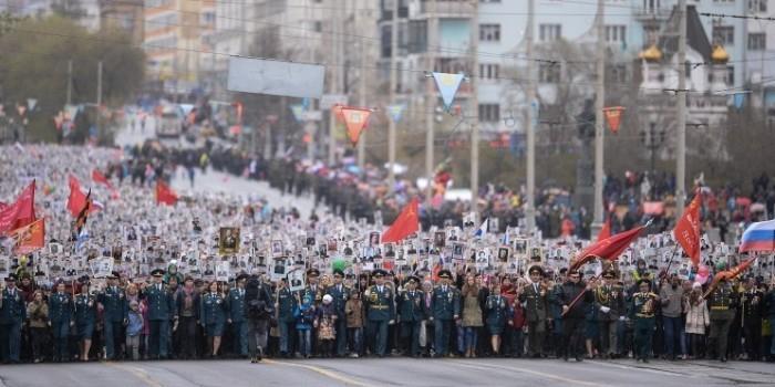 Сотни тысяч людей по всей России приняли участие в акции «Бессмертный полк»