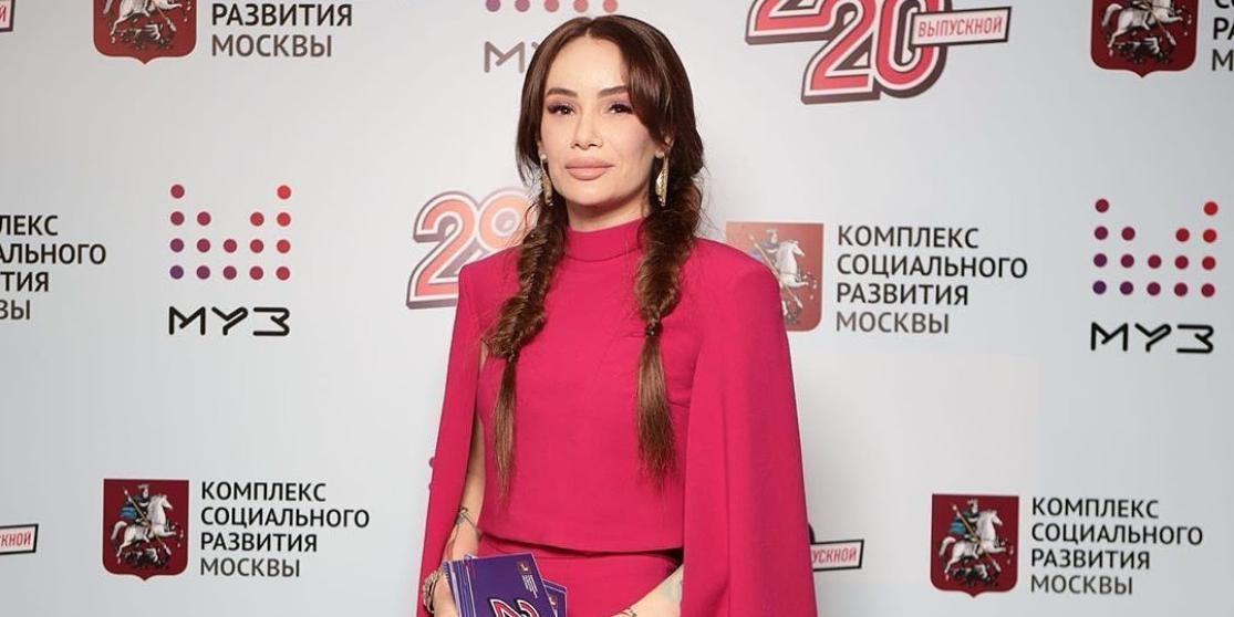 Айза Долматова призналась в изменах, любовной связи с женщиной и сексе на публике