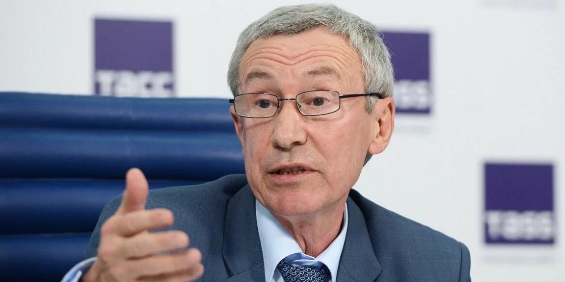 Сенатор Климов оценил слова Лаврова о попытках Запада расшатать ситуацию в России