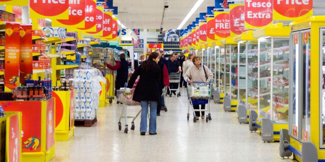 Британия запасается продуктами из-за возможного срыва сделки по Brexit