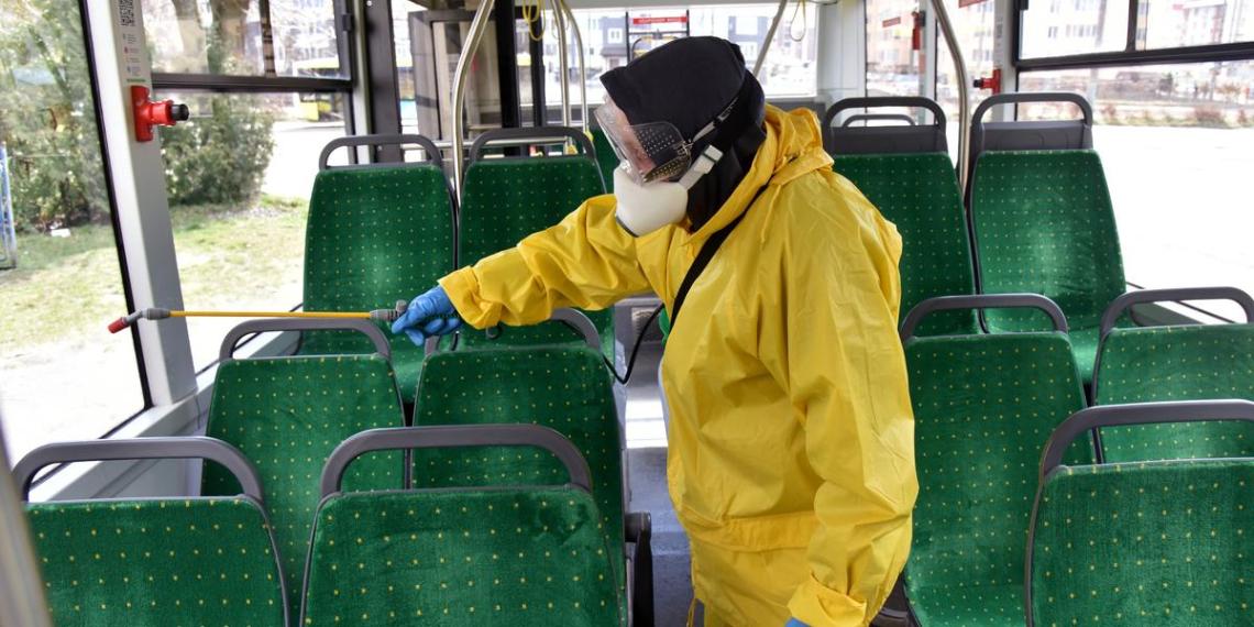Названы способы уберечься от коронавируса в общественном транспорте