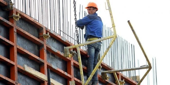 В Кемерове рабочий упал с 9 этажа, после чего встал и пошел домой