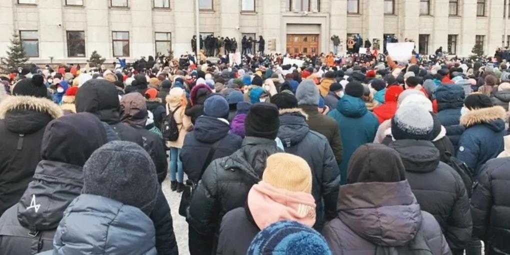 Эксперты осудили вовлечение школьников в незаконные акции