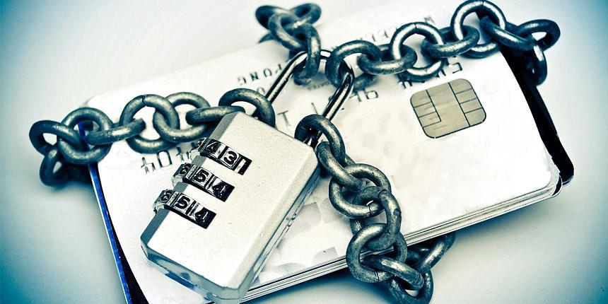Банки предложили блокировать сомнительные операции по картам на 25 дней