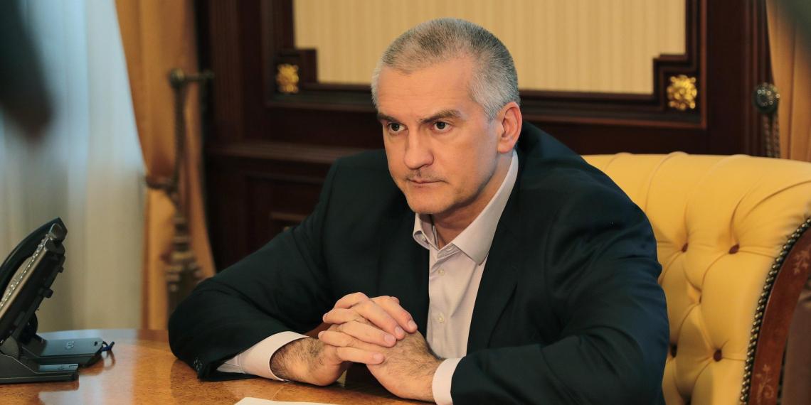Жена главы Крыма зарабатывает в четыре раза больше супруга