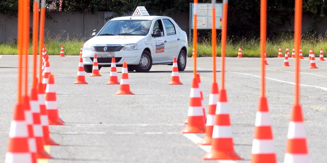 ГИБДД будет проверять водителей на алкоголизм и наркоманию при сдаче на права