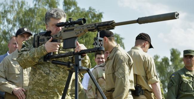 Порошенко: до мира в Донбассе еще очень далеко