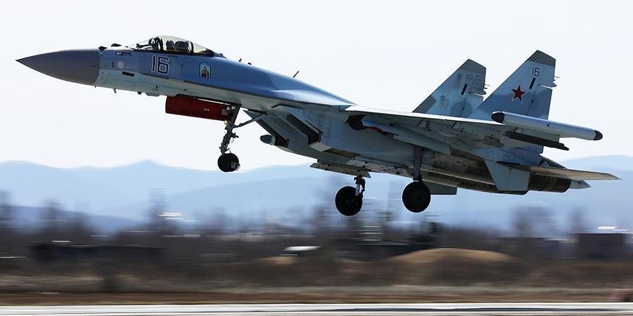 Российские истребители перехватили самолет-разведчик США над Японским морем