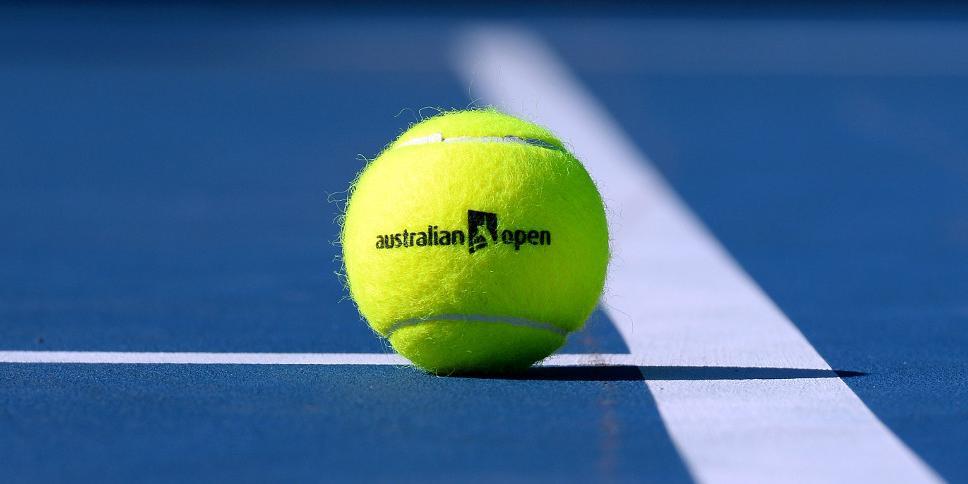 Сотни теннисистов и сотрудников Australian Open изолируют из-за COVID у одного человека