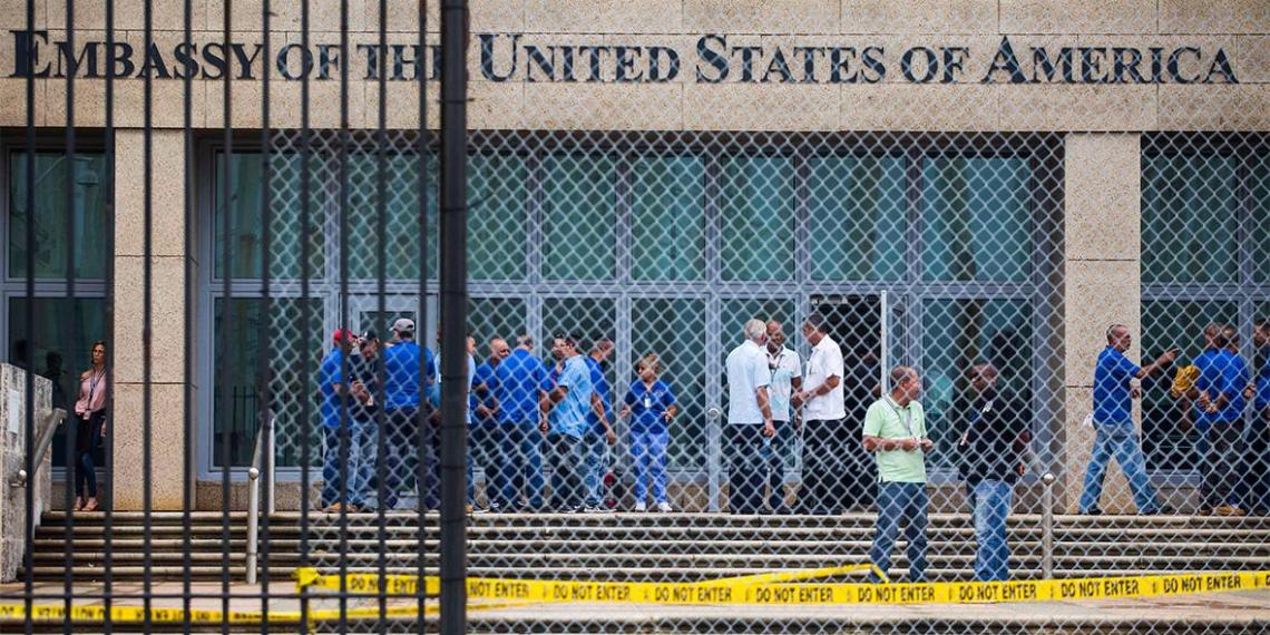 Свыше 130 американских дипломатов получили повреждения мозга из-за акустических атак