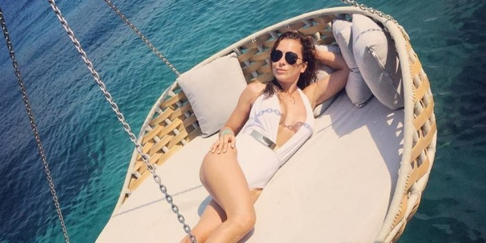 Ани Лорак обнажилась на отдыхе в Турции (ФОТО)