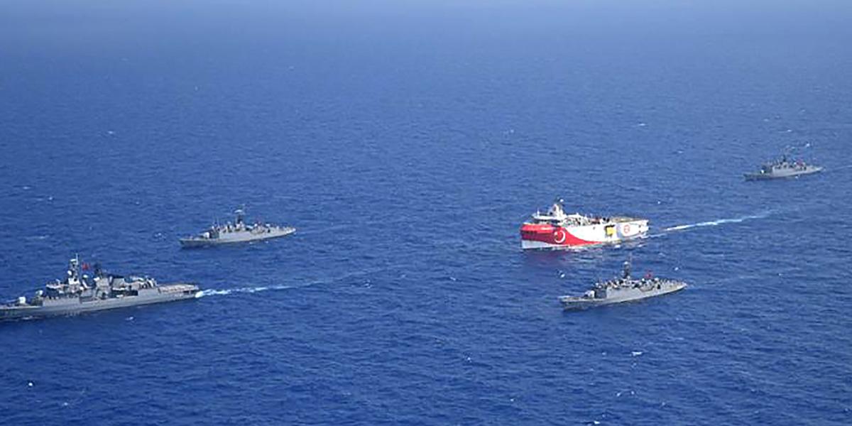 Европа начинает военные учения в спорных водах, где Турция ведет нефтеразведку