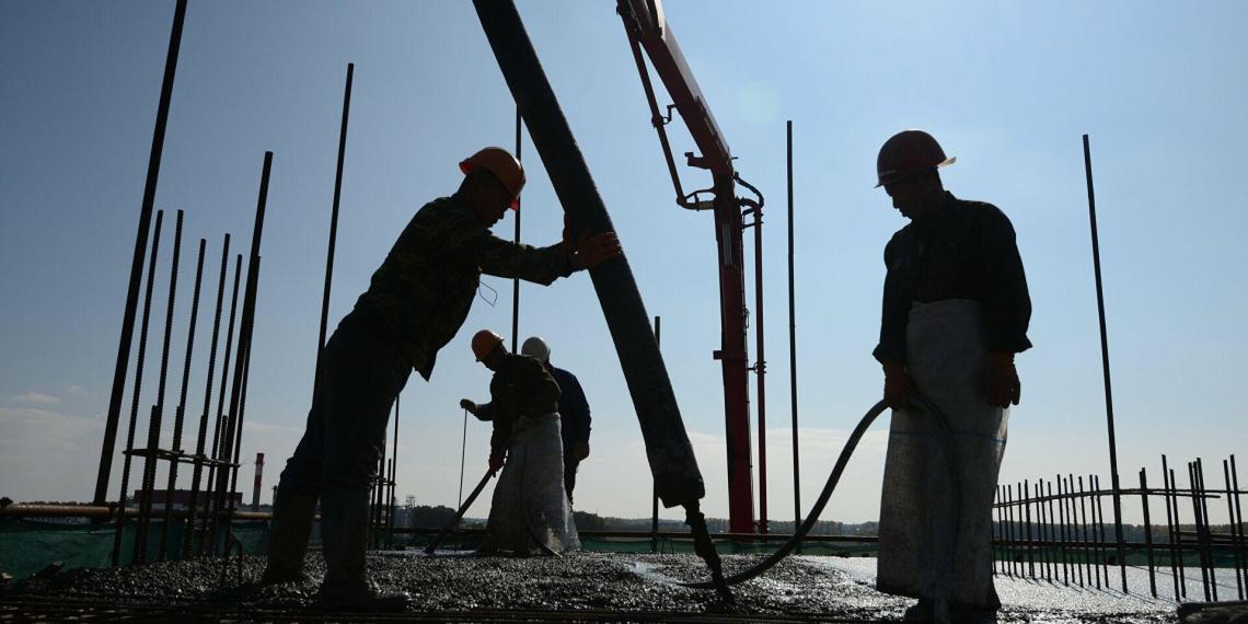 """""""Вы же помните фильм про Шурика"""": в правительстве подтвердили начало работы заключенных на стройках"""