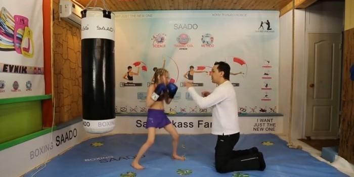 Видео 7-летней боксерки стало новым хитом Сети