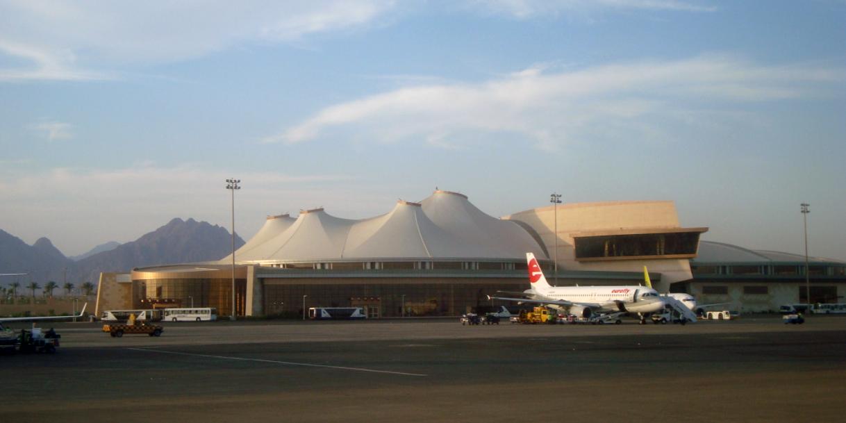 Путин отменил шестилетний запрет чартерных рейсов на курорты Египта