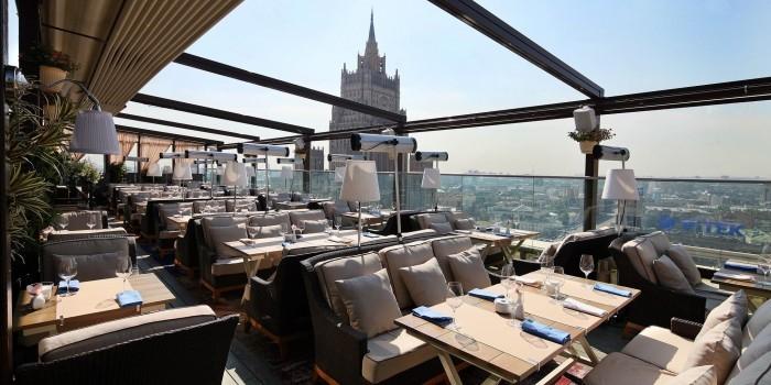 Доход московских кафе и ресторанов вырастет на День города до миллиарда рублей