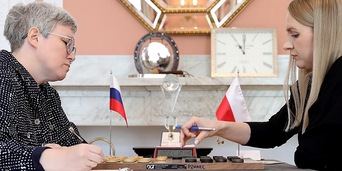 Федерация шашек Польши извинилась за инцидент со снятием российского флага