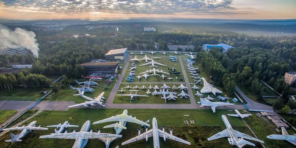 Минобороны планирует разрезать уникальные самолеты из музея в Монино