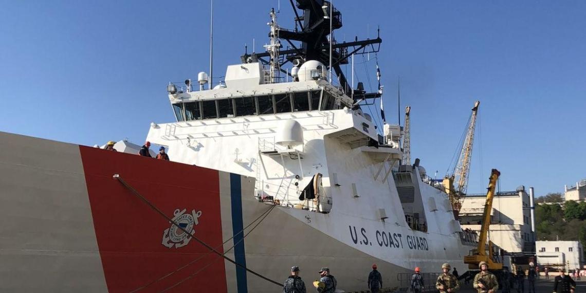 Фрегат береговой охраны США впервые за 13 лет зашел в порт Одессы
