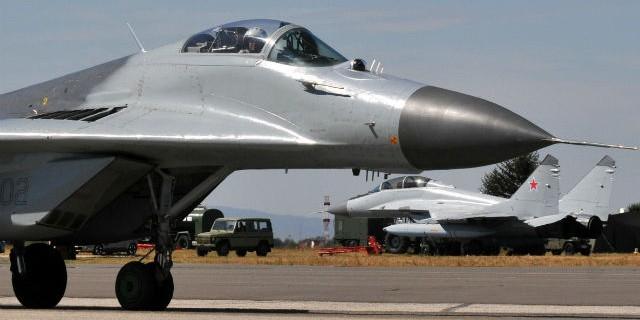 Россия подарит Сербии десятки танков и шесть истребителей