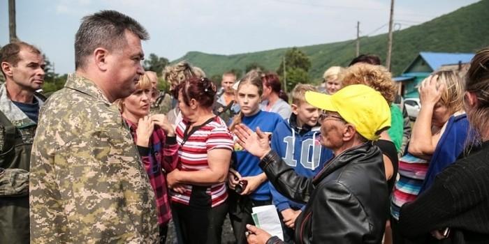 Жители затопленного Приморья начали распродавать гумпомощь
