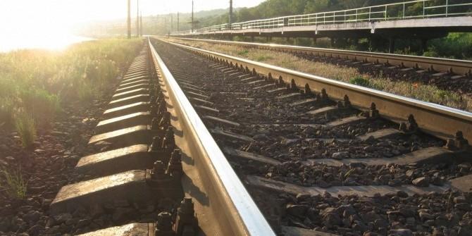 Российские военные начали строить железную дорогу в обход Украины